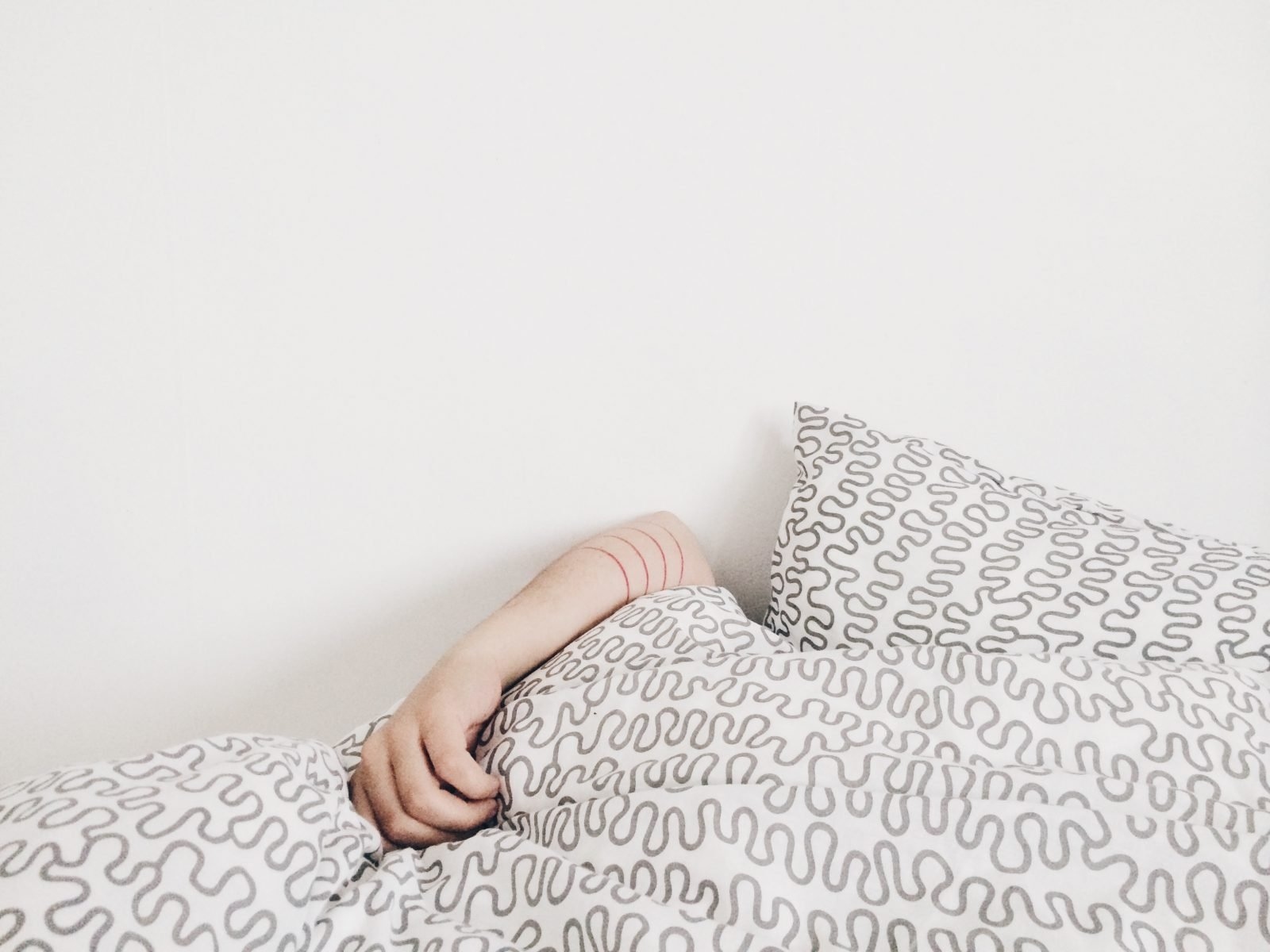 Anxiety and depression make you want to stay in bed all day. A magnesium deficiency can do the same thing!